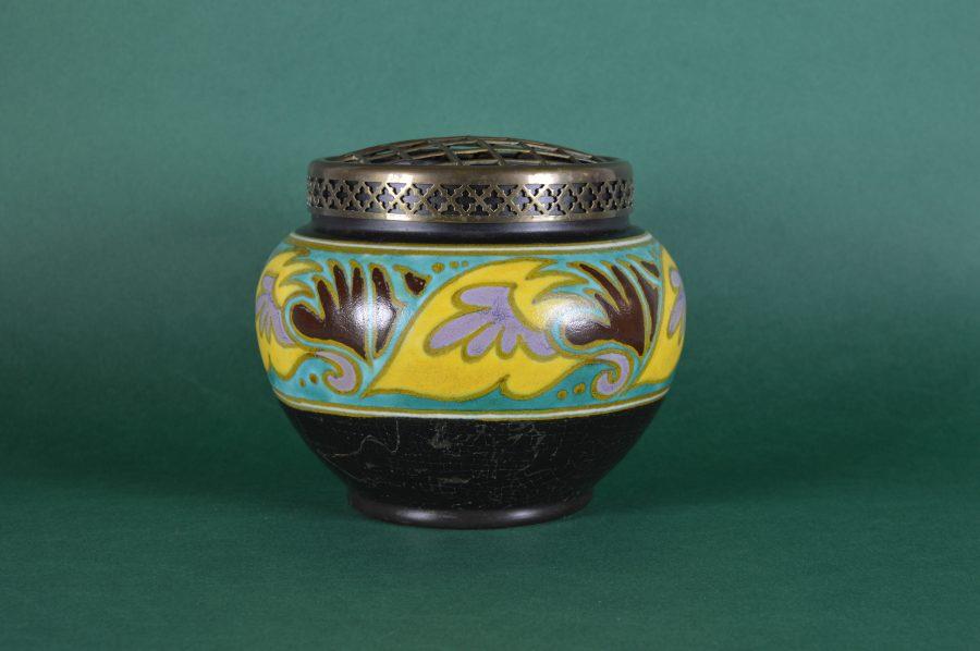 Welp Rozenbowl van Gouds plateel met koperen bloemverdeler – Bodour JG-02