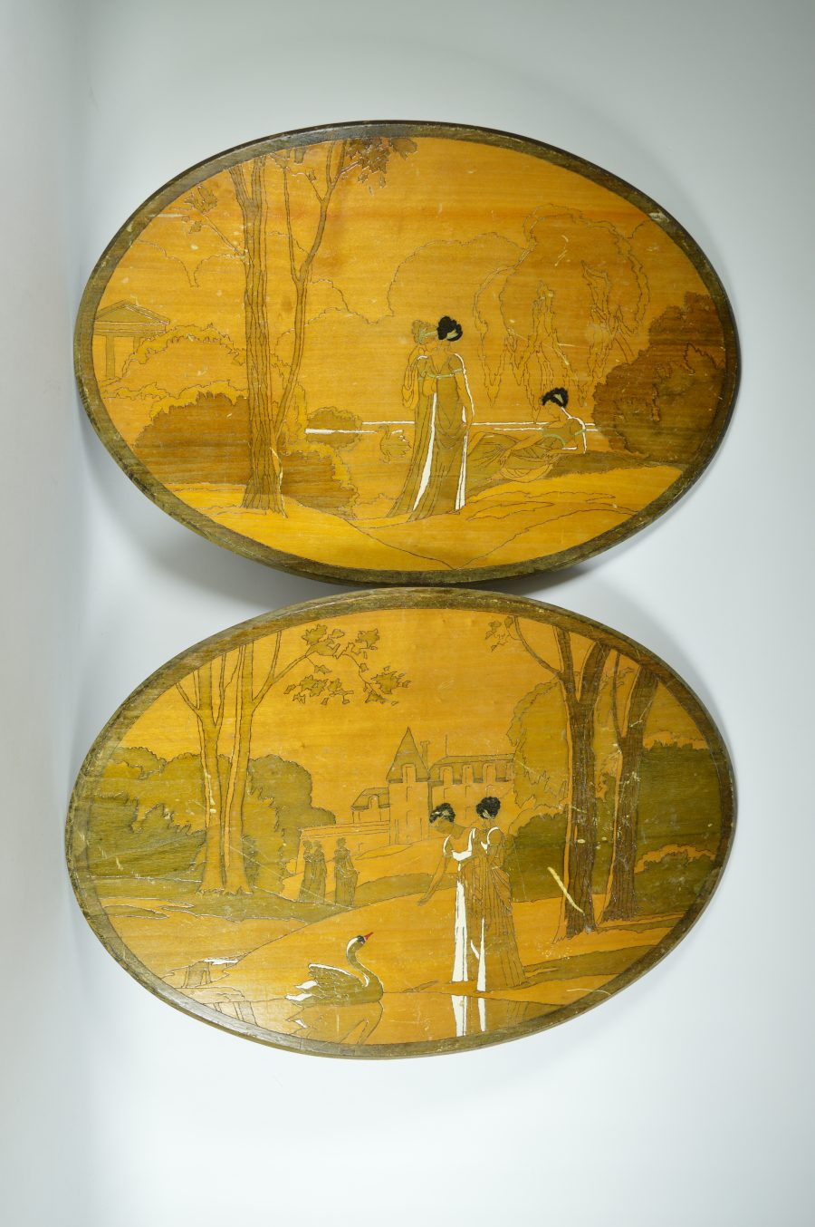 Wooden wall decoration oval Art Deco 1937 with swans, set – Bodour
